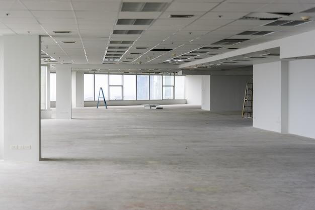O quarto está em reforma ou em construção. Foto Premium