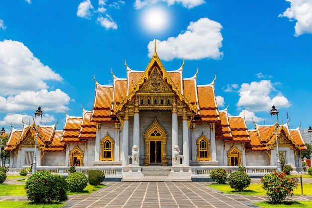 O templo de mármore, wat benchamabopit dusitvanaram em bangkok, Foto Premium