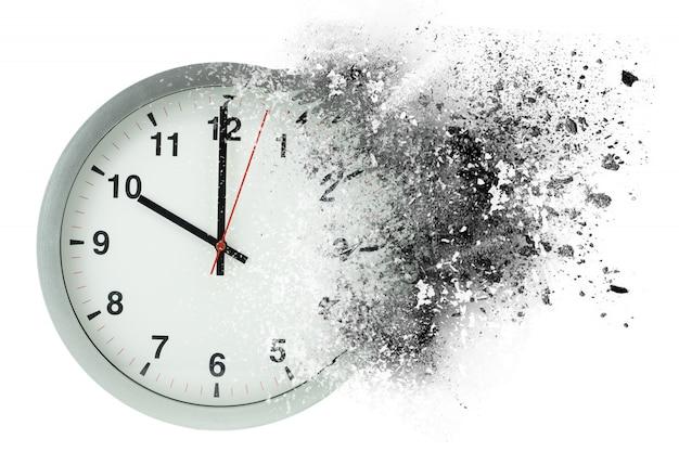 O tempo passa, se dissolve. conceito de tempo de desaparecimento. Foto Premium