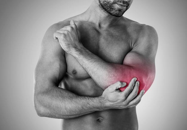 O treinamento excessivo pode causar lesões Foto gratuita