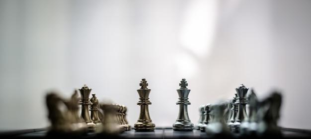 O xadrez é como fazer negócios, para o futuro, para a competição vencer. Foto Premium