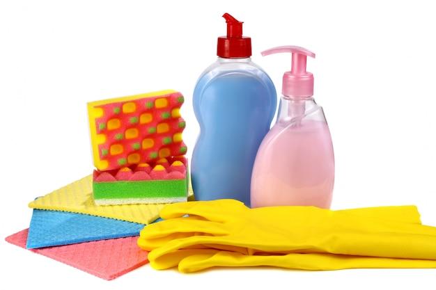 Objetos para lavar e limpar em uma cozinha Foto Premium