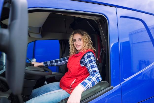 Ocupação de caminhoneiro Foto gratuita