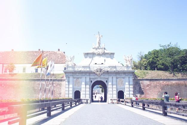 Old castle portões Foto gratuita
