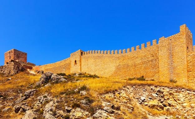 Old fortress wall in albarracin Foto gratuita