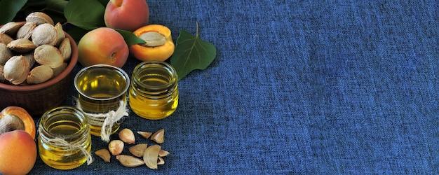Óleo de semente de damasco. conceito de extração de óleo de damasco. dieta saudável. Foto Premium