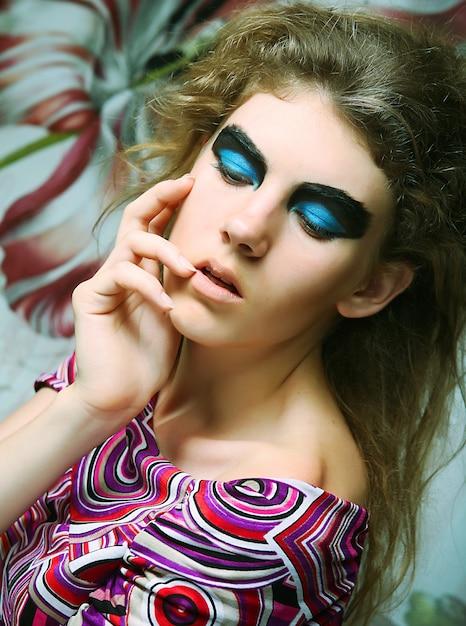 Olhos de modelo de moda compõem Foto Premium