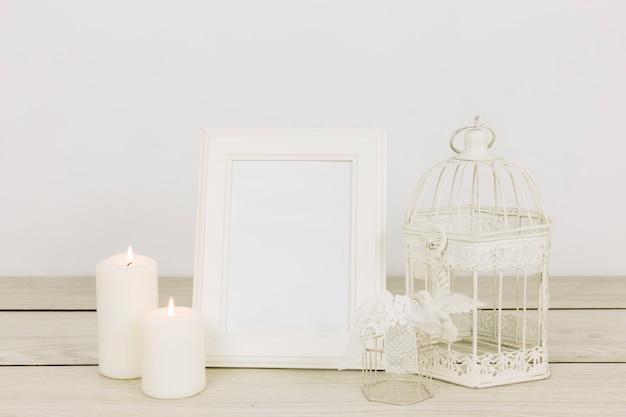 Ornamentos românticos com moldura Foto gratuita