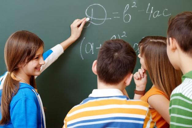 Os alunos de álgebra aprendizagem Foto gratuita