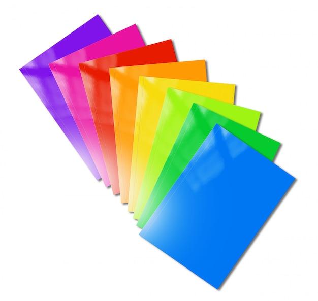 Os livretos de várias cores variam de maquete sobre fundo branco Foto Premium