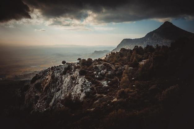 Outono em um topo da montanha Foto gratuita