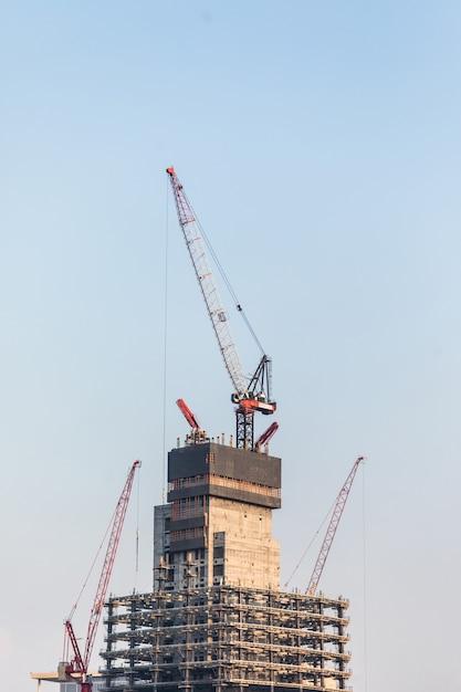 Outubro de 2018. construção de arranha-céus em dubai. Foto gratuita