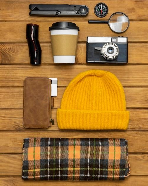 Pacote de viagem ainda vida Foto gratuita