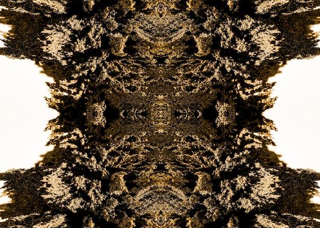 Padrão abstrato caleidoscópico de barbear metálico isolado no fundo branco Foto gratuita