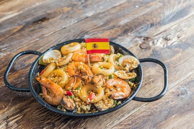 Paella comida espanhola típica Foto Premium