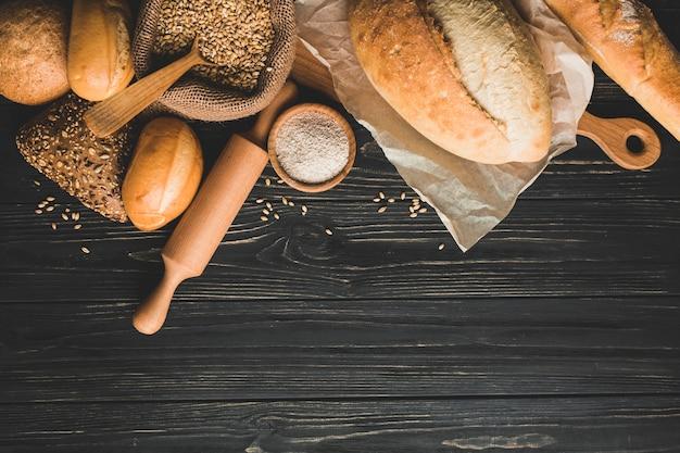 Pães saudáveis de pão dourado Foto gratuita