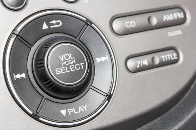 Painel de controle do reprodutor de áudio e outros dispositivos do carro Foto Premium
