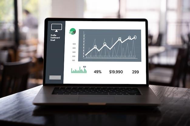 Painel de vendas de marketing de cliente conceito de gráficos homem de negócios vendas aumentar as ações de receita Foto Premium
