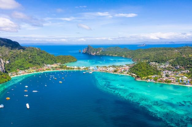 Paisagem, aéreo, vista superior, phi phi, ilha, kra, bi, tailandia, olá Foto Premium