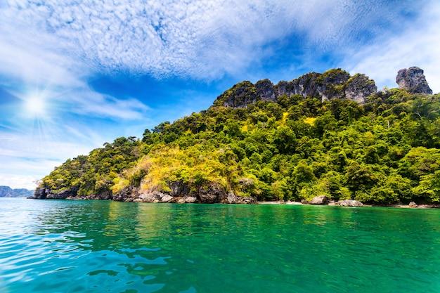 Paisagem bonita do oceano Foto Premium