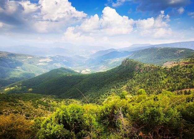 Paisagem de montanhas horizontais Foto gratuita