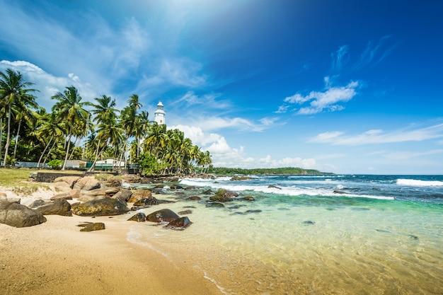 Paisagem de praia bonita no sri lanka Foto Premium