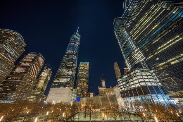 Paisagem urbana de nova york com 911 memorial na hora do crepúsculo, estados unidos da américa Foto Premium