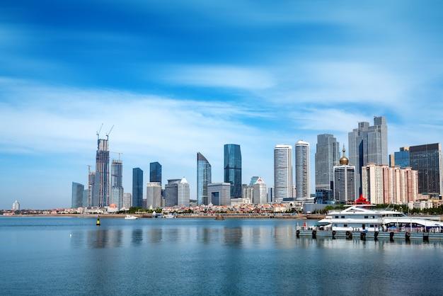 Paisagem urbana de qingdao, china Foto Premium