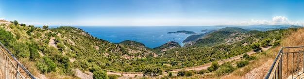 Paisagem vista sobre a costa francesa da riviera, cote d'azur, frança Foto Premium