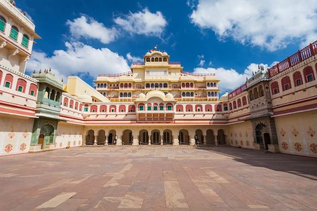 Palácio da cidade em jaipur Foto Premium