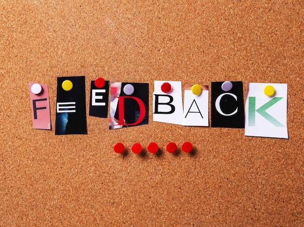 Palavra de feedback no estilo de colagem Foto gratuita