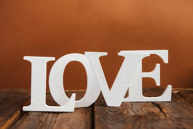 Palavra de madeira amor Foto Premium