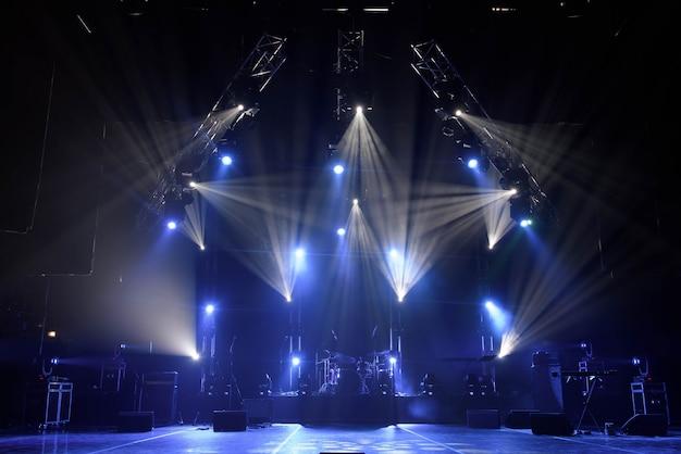 Palco livre com luzes Foto Premium