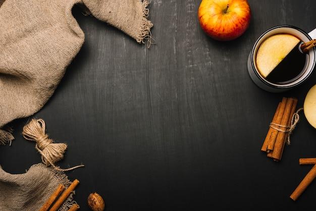 Pano de linho e composição de alimentos outono Foto gratuita