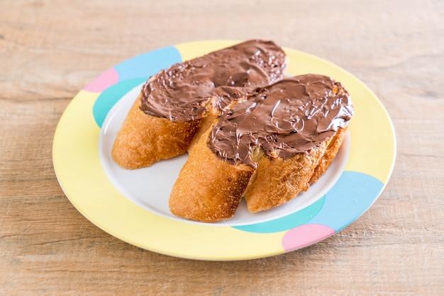 Pão com chocolate avelã Foto Premium