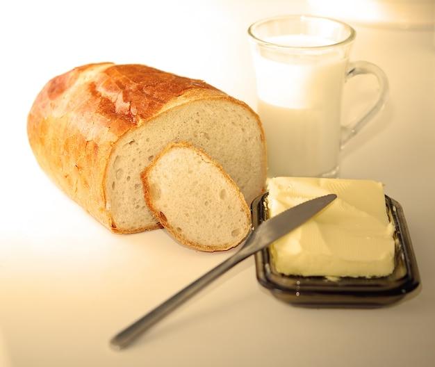 Pão com manteiga Foto gratuita