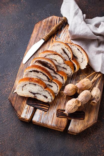 Pão doce com sementes de papoula Foto Premium