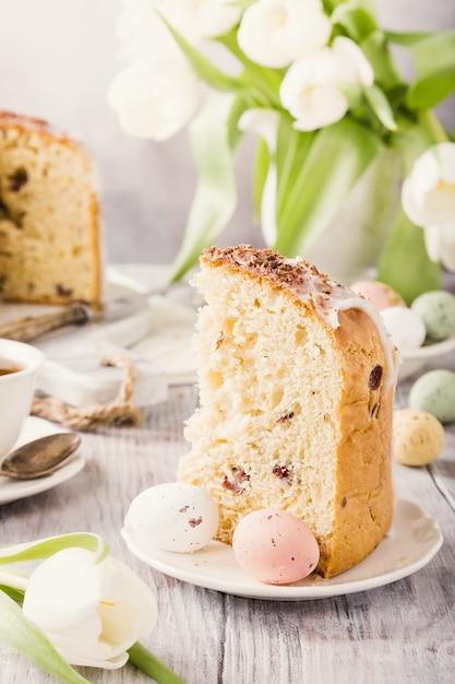 Pão doce ortodoxo de páscoa Foto Premium