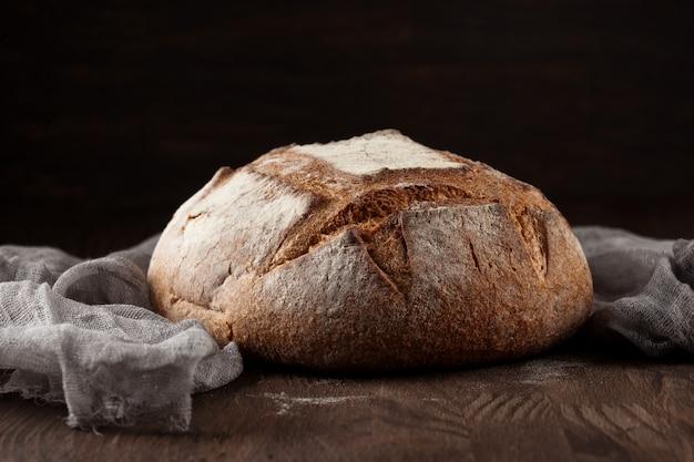 Pão fresco em estilo rústico Foto Premium