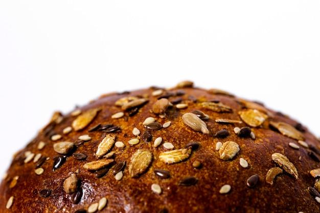 Pão isolado em fundo branco Foto Premium