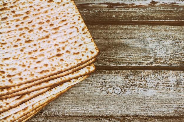 Pão matza para celebração da páscoa Foto Premium