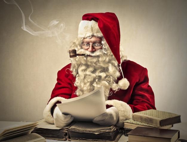 Papai noel fumando Foto Premium