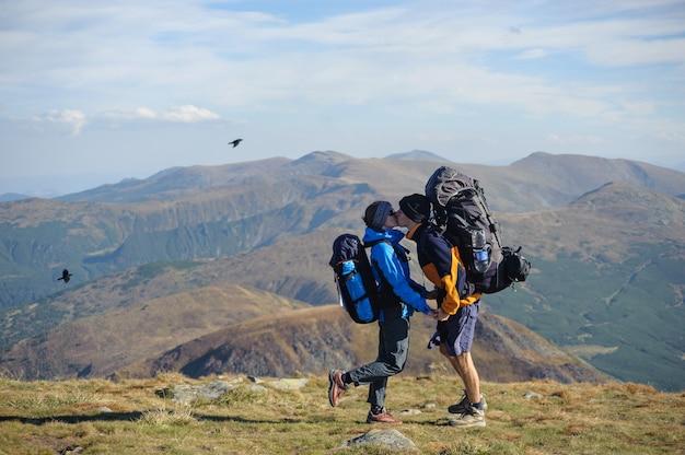 Par, backpacking, viagem, ficar, montanha, summit Foto Premium