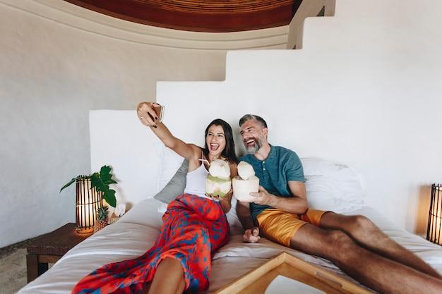 Par, relaxante, cama Foto Premium