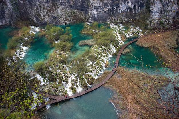 Parque nacional dos lagos de plitvice, croácia Foto Premium