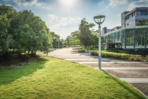 Parque no centro financeiro de lujiazui, shanghai, china Foto Premium