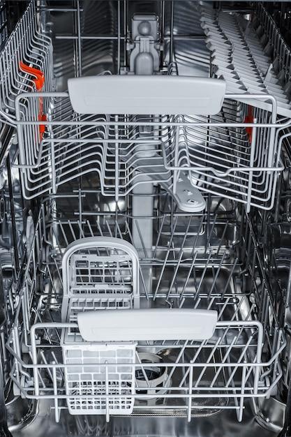 Partes da máquina de lavar louça do interior. Foto Premium