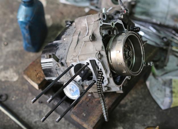 Partes do motor de motocicleta de pistão Foto Premium