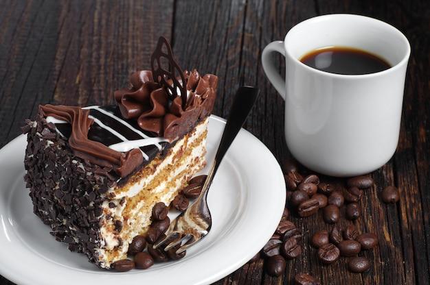Pedaço de bolo de chocolate Foto Premium