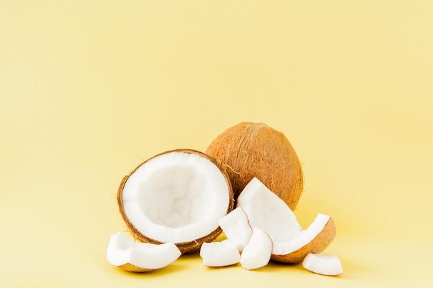 Pedaços de coco fresco Foto Premium